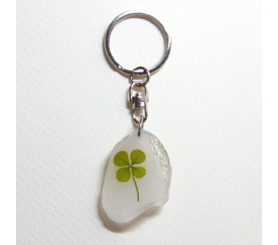 Four Leave Keychain Pebble